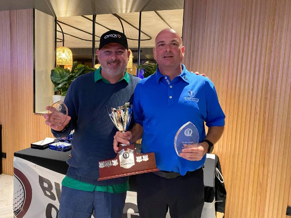 2021 Qld Open Runner Up and 2021 Australian Stableford Champion Darren Solly and 202 and 2021 Qld Champion Neil Herdegen.